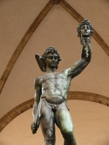 "In der Loggia dei Lanzi: Figur des ""Perseus"" mit dem Medusenhaupt, 16. Jh., von Benvenuto Cellini"